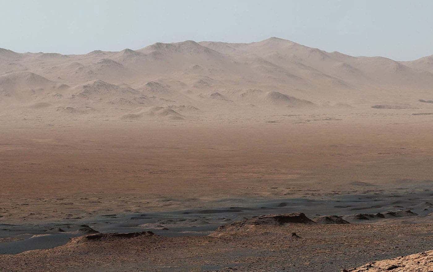 Mount Sharp photobombs Mars rover selfie