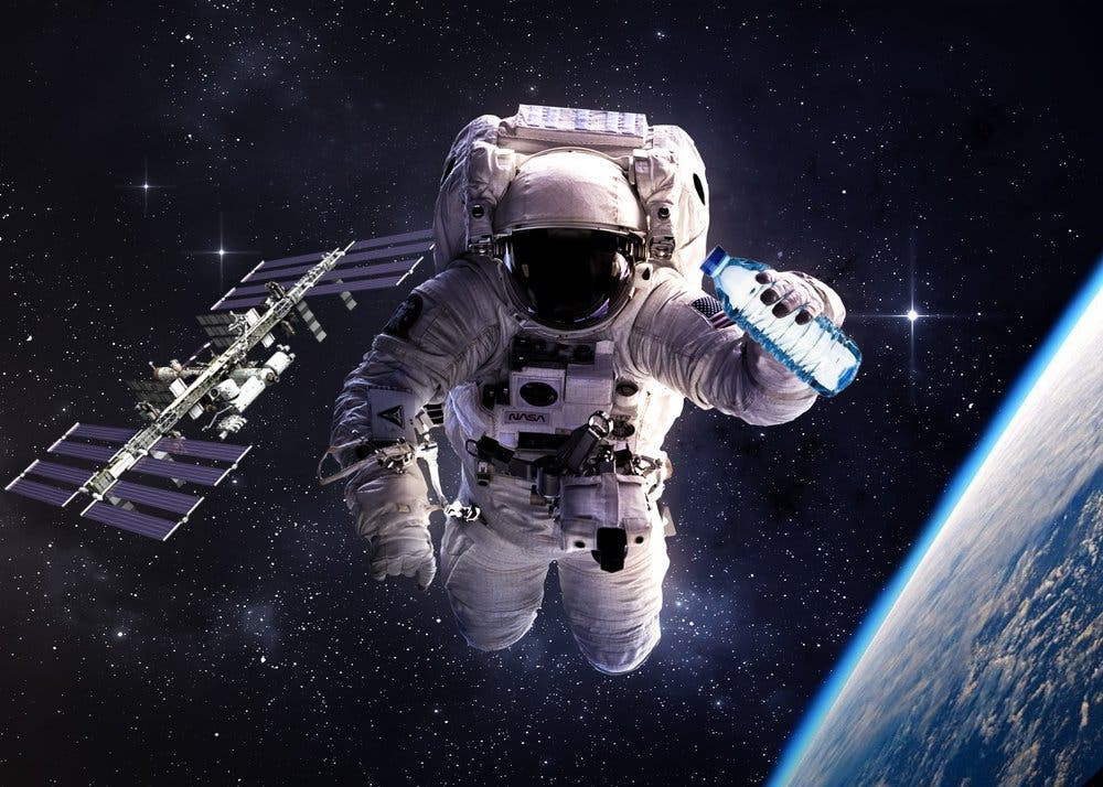 how does astronaut live in space - photo #34