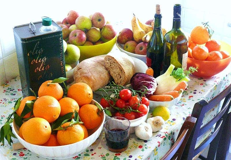 Snapshot of typical ingridients for a Mediterranean diet. Credit: Wikimedia Commons.