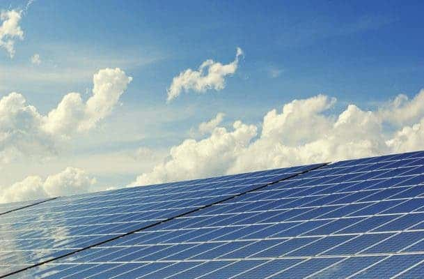 Renewable energy are set to power the future in 2050. Credit: Pixabay.