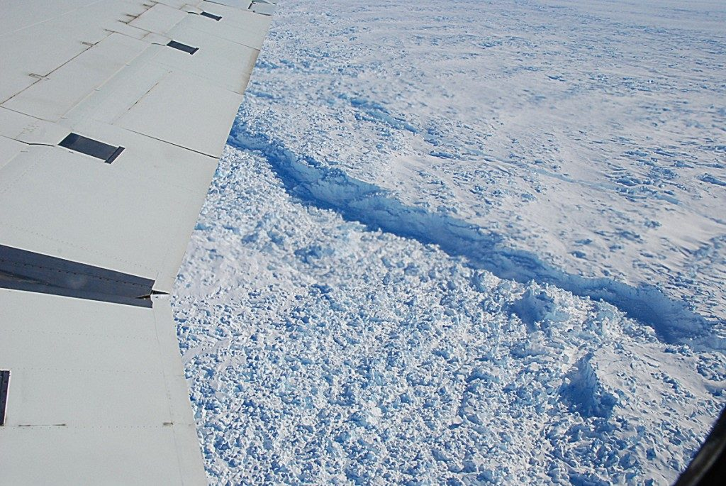 Calving front of Pine Island Glacier, where icebergs are born. Credit: Columbia University.
