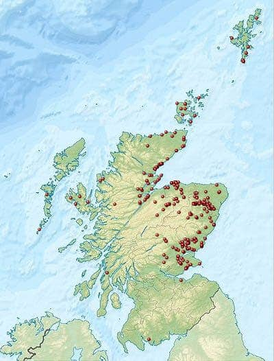 Distribution of Pictish stones, as well as caves holding Pictish symbol graffiti. Credit: Wikimedia Commons.