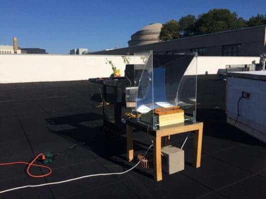 The device mounted on the roof of an MIT building. Credit: Thomas Cooper et al.