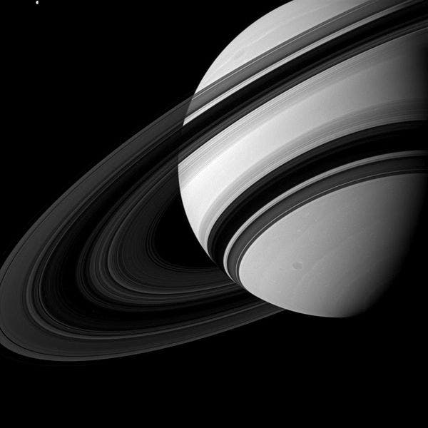 Saturn and rings.