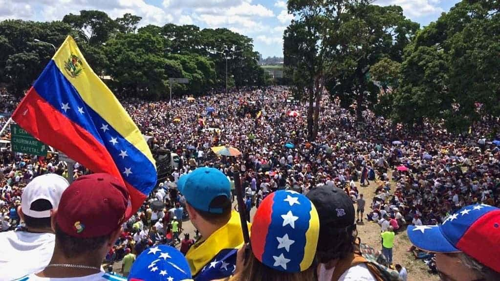Venezuelans protest in 2017. Credit: Wikimedia Commons.