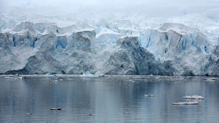 Paradise Bay, Antarctica. Credit: Max Pexel.