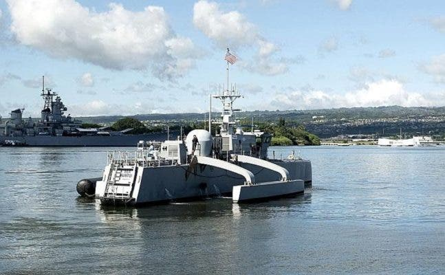 The Medium Displacement Unmanned Surface Vehicle prototype Sea Hunter arrives at Joint Base Pearl Harbor-Hickam, Hawaii, Oct. 31, 2018. Credit: U.S. NAVY.