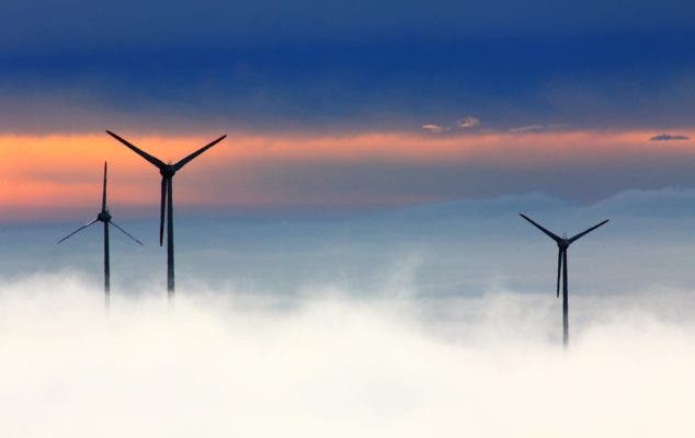 A rapid transition towards 100% renewable energy is our best bet against mitigating potentially catastrophic climate change. Credit: Pixabay.