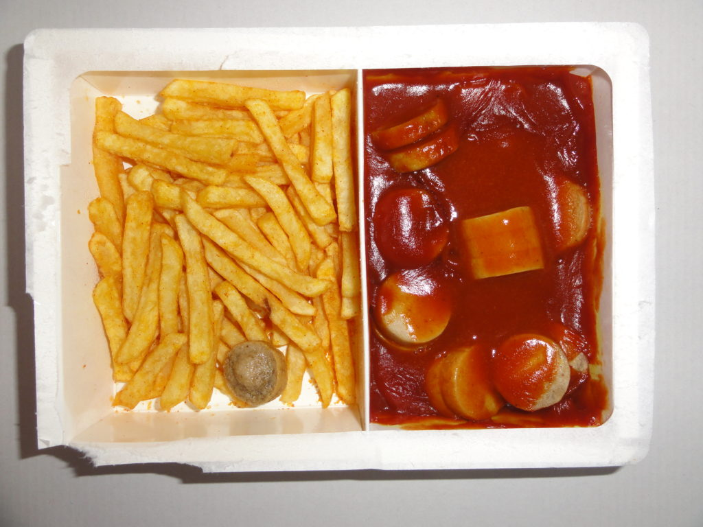 Ready to eat microwave food (TV dinner). Credit: Wikimedia Commons.
