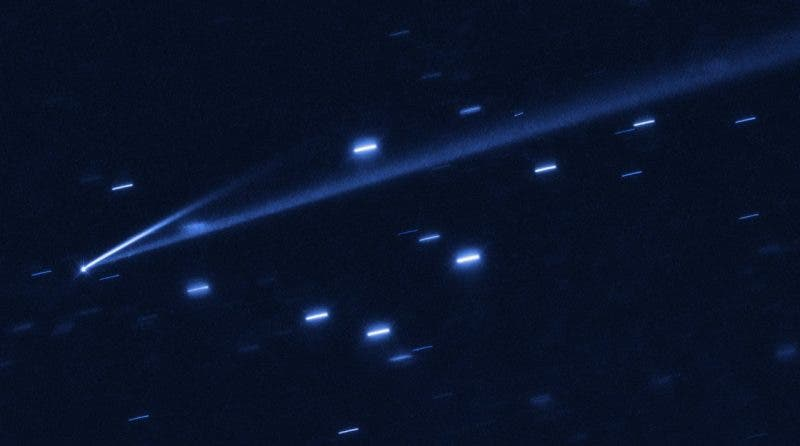 A Hubble Space Telescope view of asteroid 6478 Gault, showing two comet-like tails of debris. Credit: European Southern Observatory.