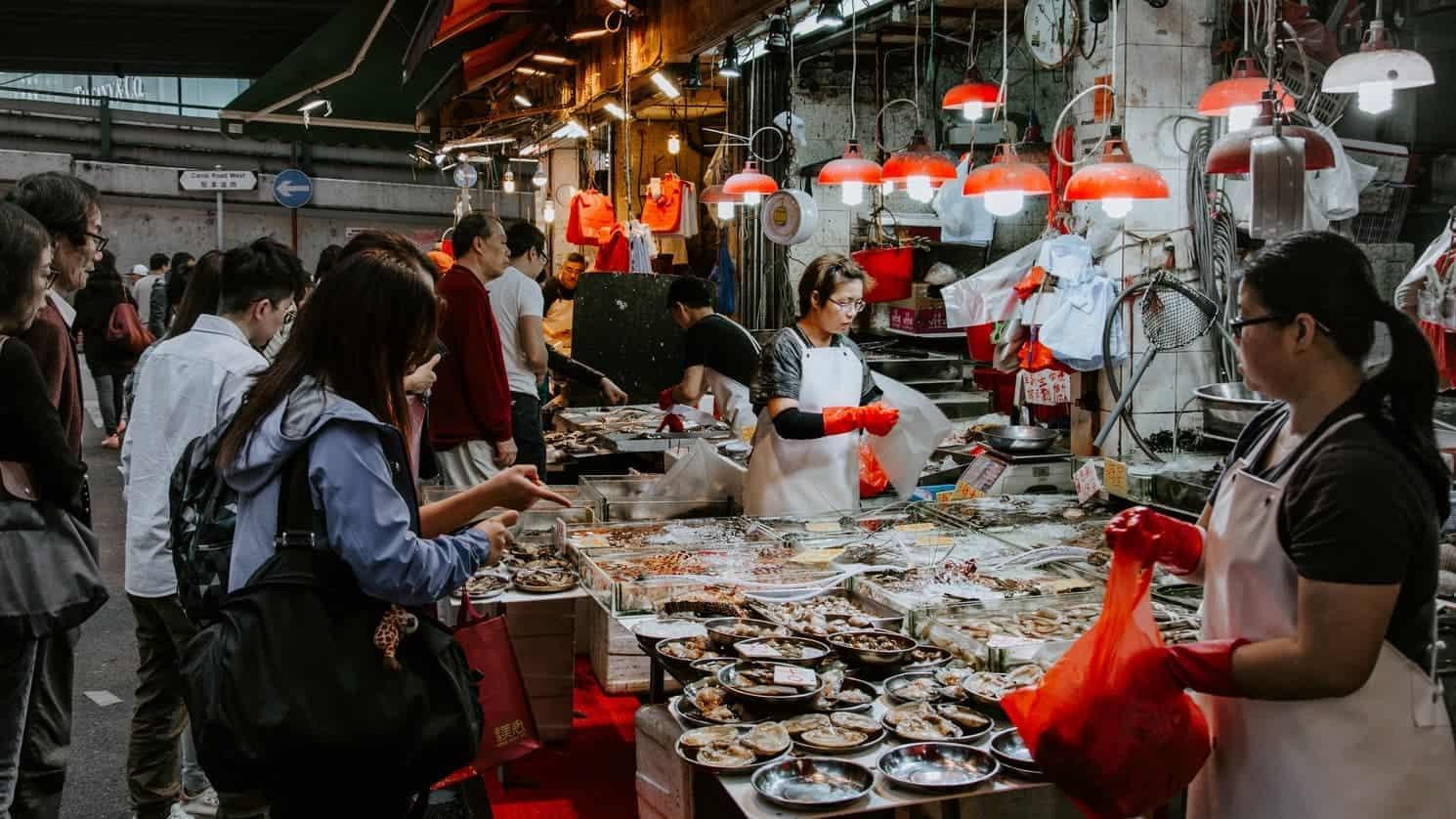 Китай открывает влажные рынки, так как международное давление на них растет thumbnail